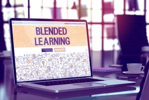 مزایای آموزش ترکیبی برای مدارس